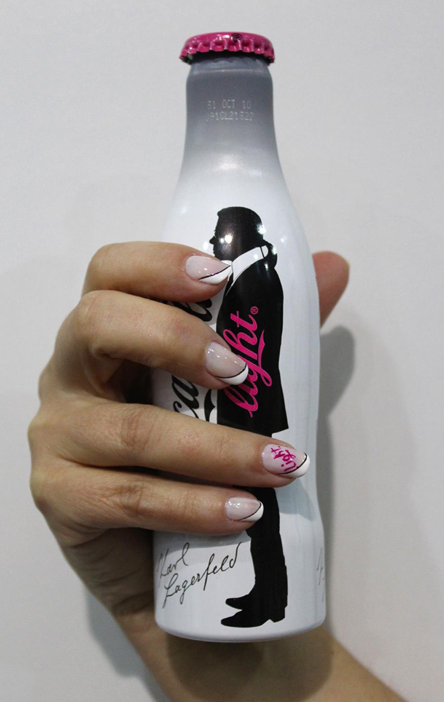 stroke-nails-art-bodegon-coca-cola-karl-lagerfeld