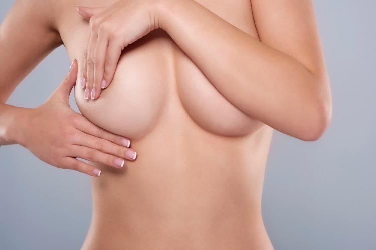 consejos para reafirmar el pecho caído